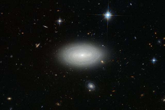 哈勃望远镜发现了一个孤独的星系