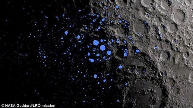"""最新观测显示月球极地存在着""""闪电土壤"""""""