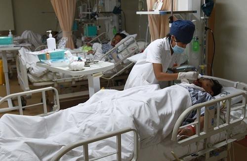 英业达上海公司员工班车侧翻事故11死13伤(图)