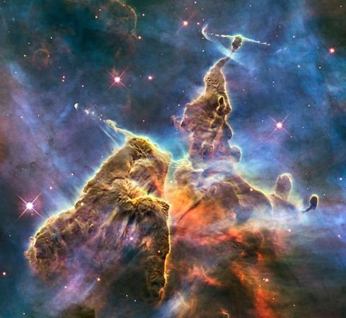 """本周最佳太空图片出炉 哈勃拍到""""神秘山"""""""