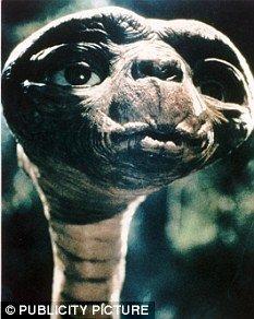 专家称人类未被宇宙发现 外星人光临尚需百年