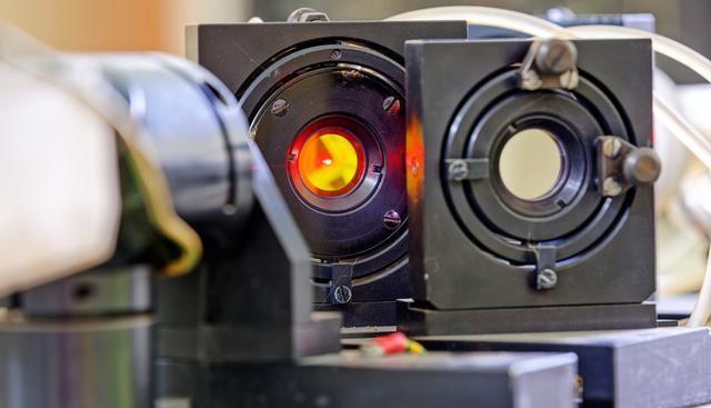 日本研究出全世界能量最高威力最大的激光