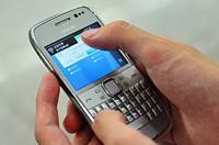 """给朋友发信息""""卖发票"""" 短信功能被关"""