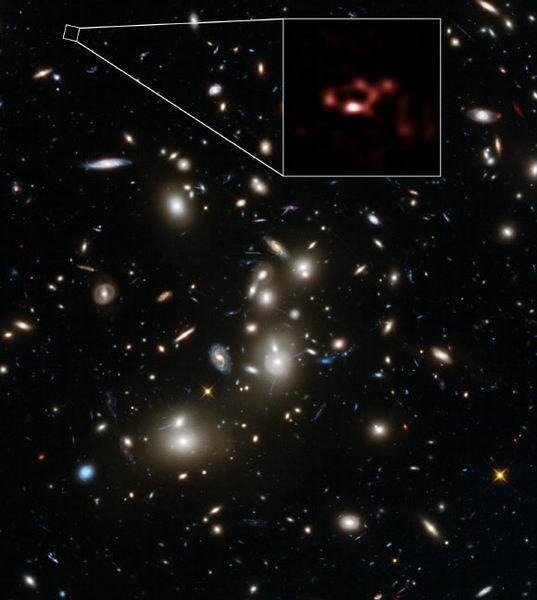遥远年轻星系区域发现大量星际灰尘和氧