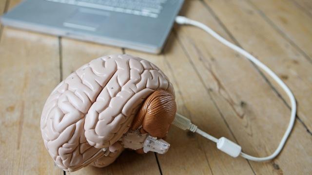 乔布斯的惊人预言:用电脑复制天才大脑