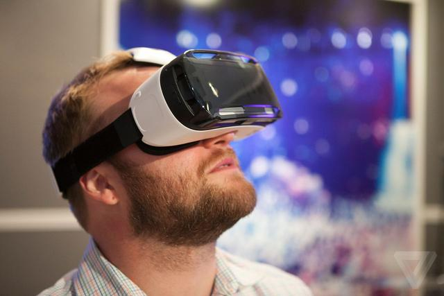 《华尔街日报》给出预警:这两年的VR销量会很惨淡