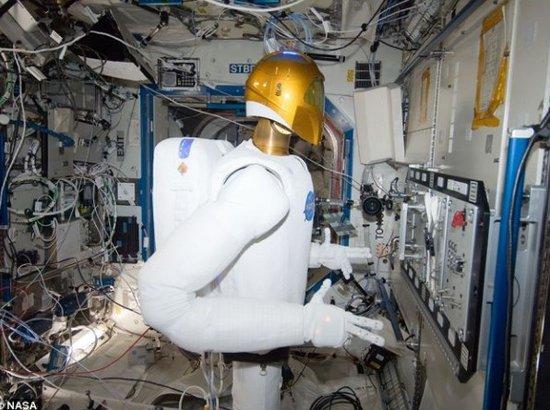 """空间站R2机器人""""复苏"""":可执行危险任务"""