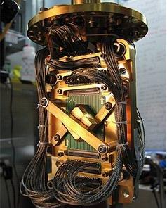 中情局联手贝索斯研制量子计算机