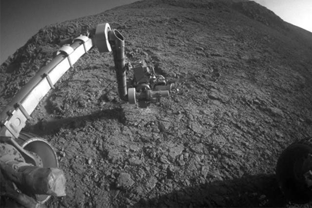 美国宇航局机遇号火星车度过火星上的冬至