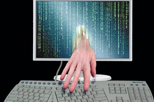 """FBI通缉俄""""黑客之王"""" 指控其盗取超1亿美元"""