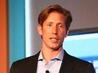 Facebook的商业副总裁兼市场营销合伙人大卫-费舍尔