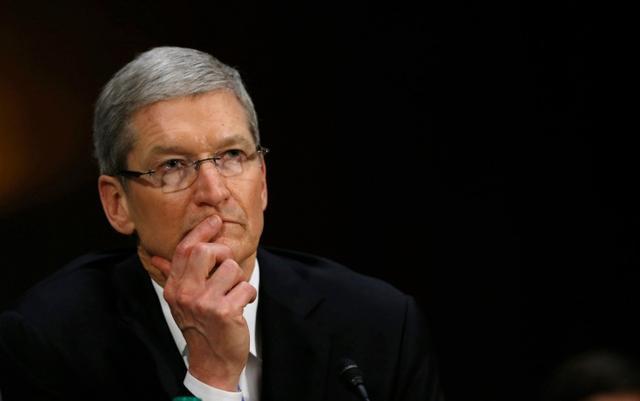 """苹果叫板FBI:iPhone需不需要为反恐留""""后门"""""""