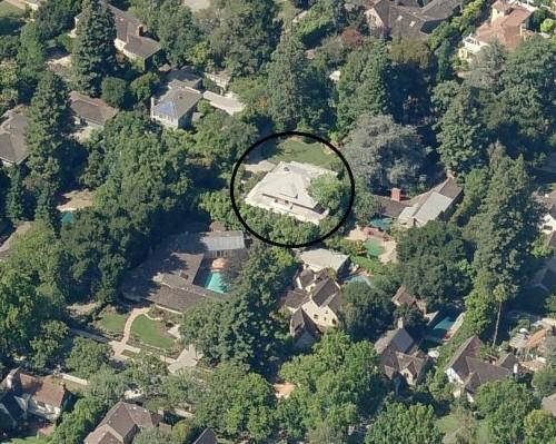 科技界名人斥巨资买邻宅是为哪般?隐私!