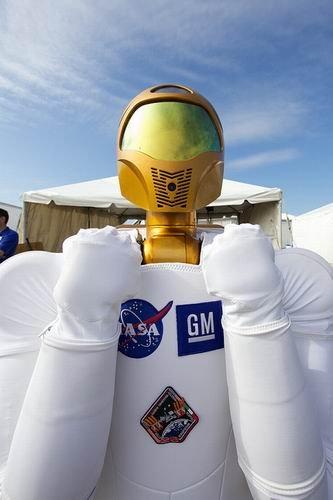 Robonaut 2手指灵活 未来可实现太空行走