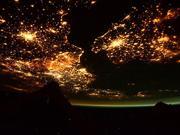 上帝视角看地球:空间站宇航员拍摄的美景