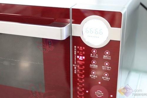 美的高端触控微波炉售2699元 iPod上身