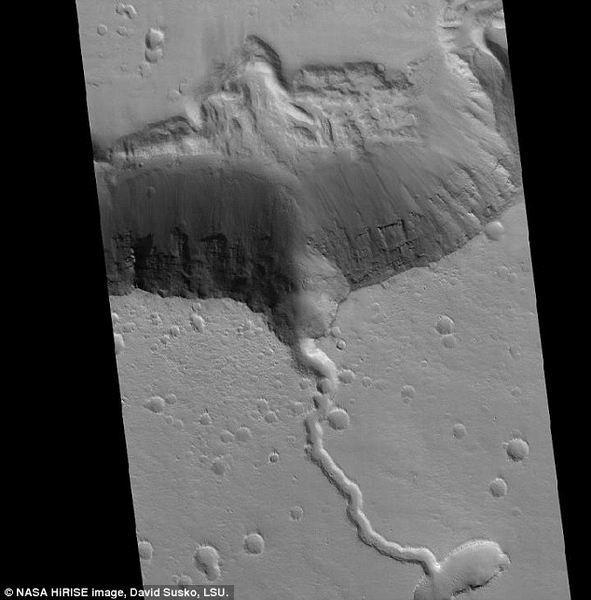 大火山揭示出火星蕴含丰富的矿物资源