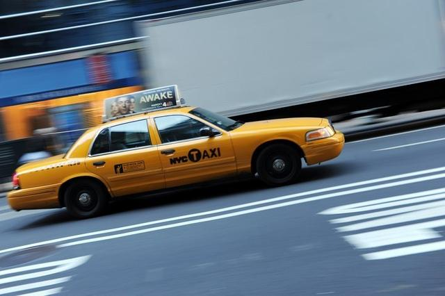 Uber司机连续驾车19小时 出租车业要求工作时限