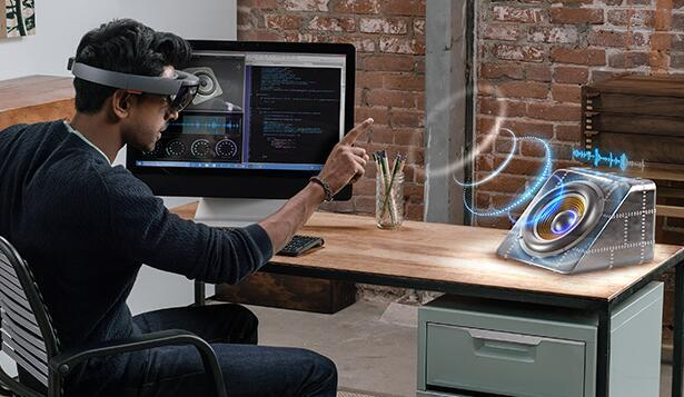 微软开始面向企业用户销售HoloLens全息眼镜