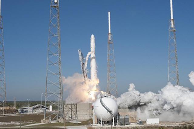 SpaceX载人飞行计划获得了NASA批准