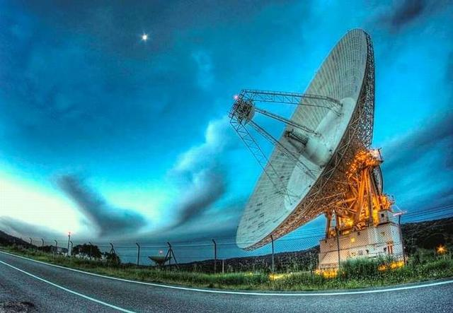 距地球4000光年的星云中探测到神秘稀有气体