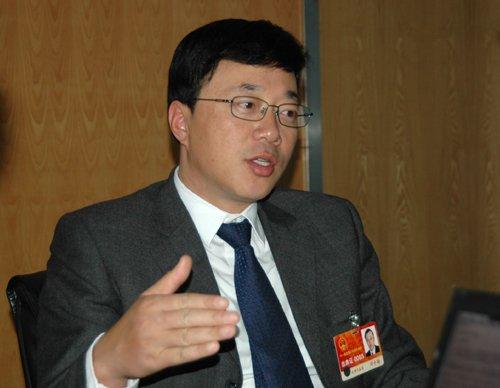 中星微邓中翰两会议案:继续推进自主创新法