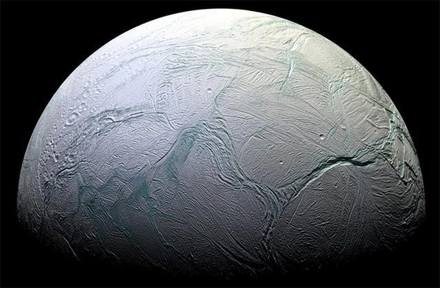 卡西尼探测器开启土卫二探索的终极之旅