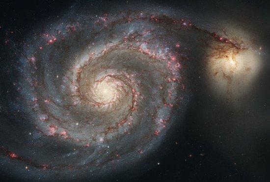 """涡状星系的""""宇宙撞车""""事故可刺激恒星形成"""