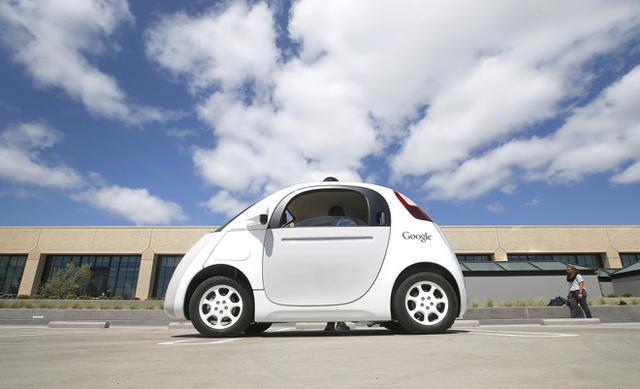 """谷歌自动驾驶技术日趋成熟:去年""""路上停摆率""""降低三倍"""