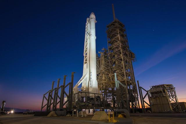 SpaceX启用曾用于土星五号的发射台 并实现第三次陆上回收火箭