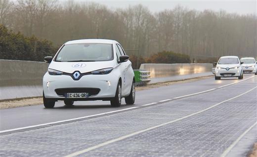 法国开通全球首段太阳能公路 能满足5000人用电