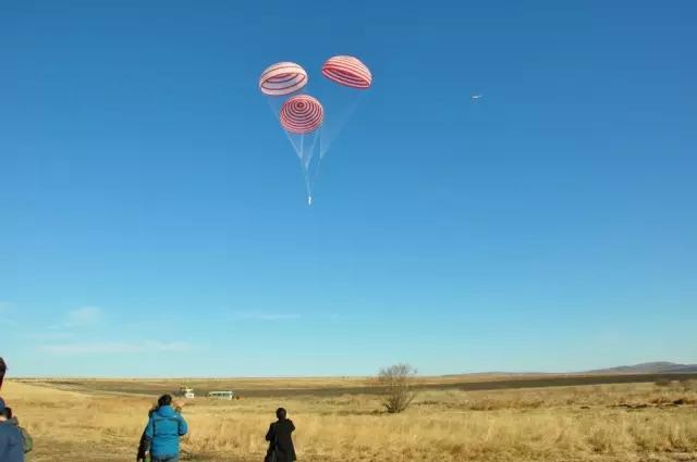 特大型群伞系统首飞成功 或应用于中国新飞船
