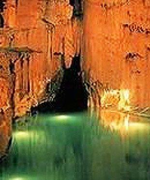 全球最壮观地下洞穴