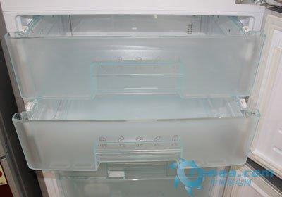 无霜风冷省时省力 海尔三开门冰箱热销