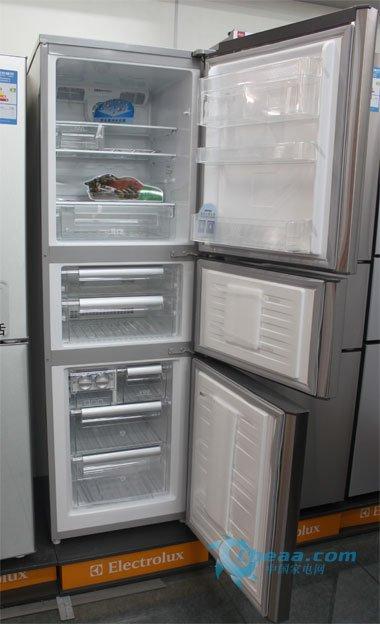 伊莱克斯冰箱卖场热销 三温三控三循环