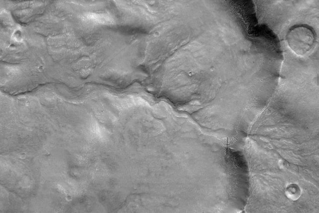 美国宇航局发现火星干涸河床有力证据