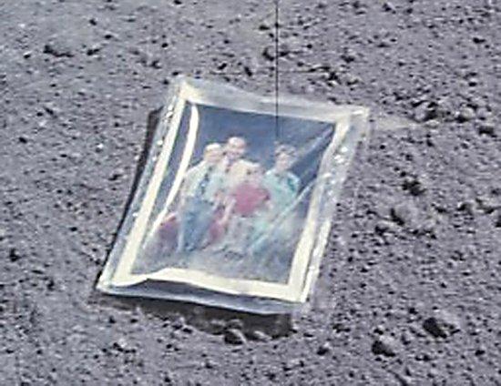 """你欣赏到月球表面的""""全家福""""照片了吗?"""