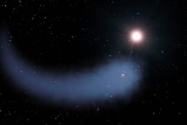 30光年处有一颗拖着长长尾巴的彗星