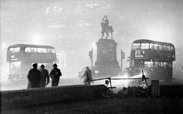 伦敦的烟雾这样散去