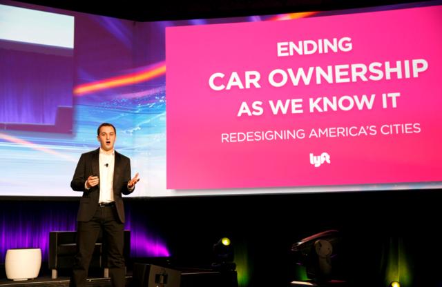 底特律或硅谷,谁将成为汽车行业下一个霸主?