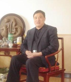 网戒校长闫文满之谜:虚构国字号委员会为其宣传
