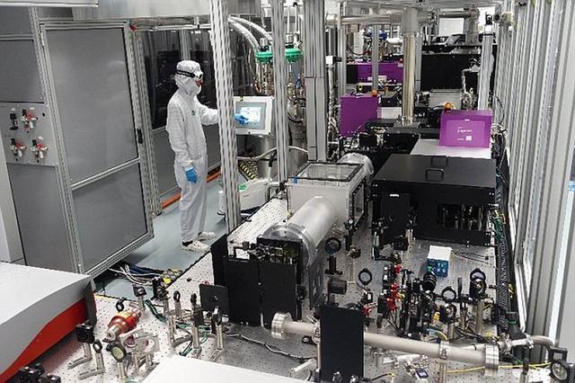 """科学家研制""""超级激光""""输出功率达到一千瓦"""