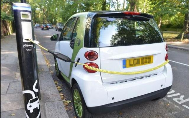 英国政府拟给予电动车优先路权