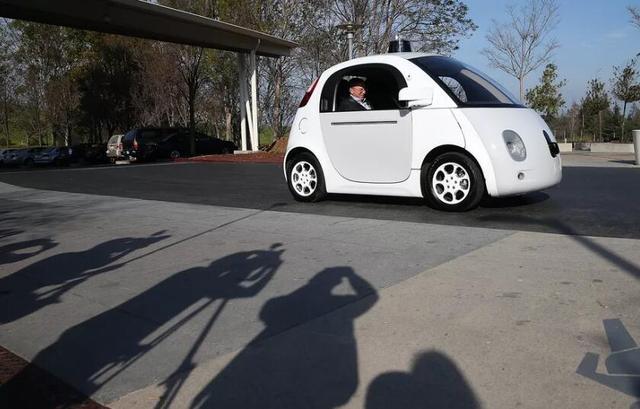 谷歌又招新高管 或加大无人驾驶汽车项目开发力度
