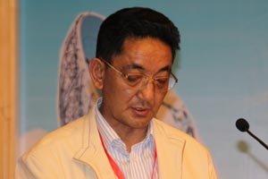 西藏通信管理局局长青其发言