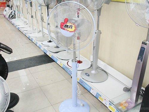 格力电风扇售价740元 高档液晶显示