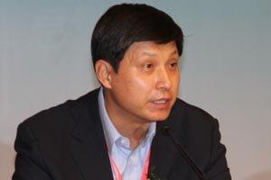中国移动副总裁鲁向东发言