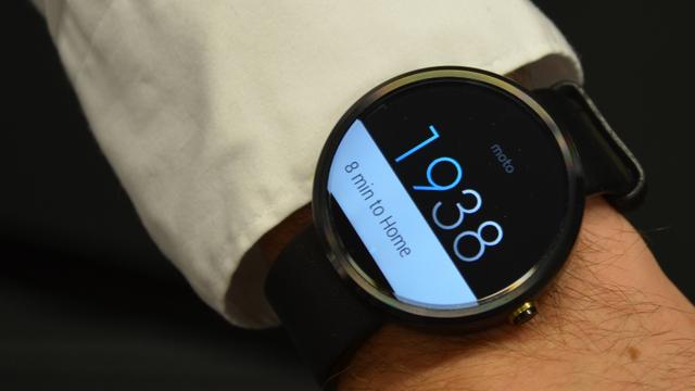 Moto 360智能手表在美售价跳水:200美元包邮