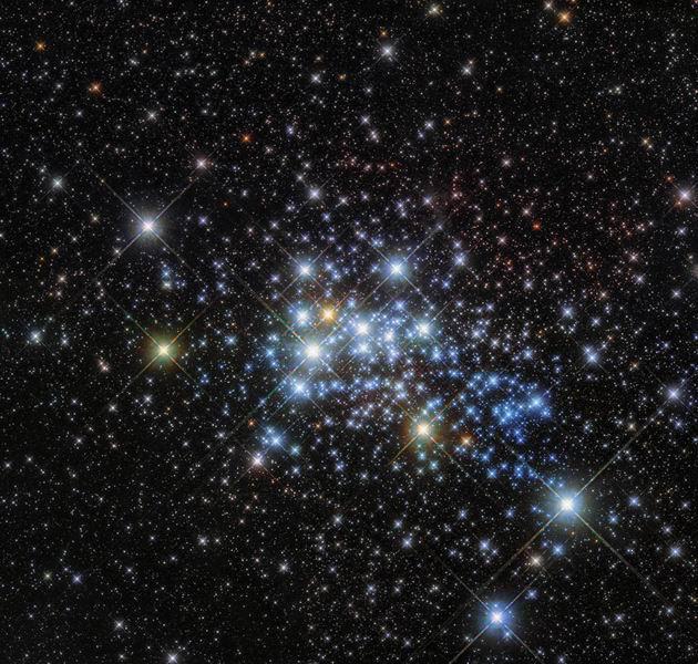 最新观测一颗特超巨星 其半径是太阳1500倍