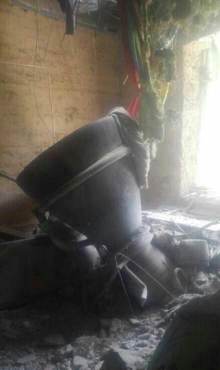 火箭助推器残片坠落陕西民宅 房顶砸出大洞